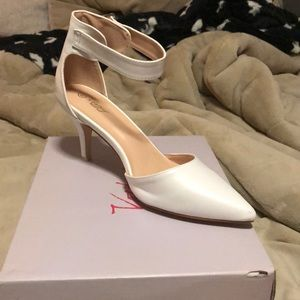 Pointed Toe Low Heel Dress Shoes Ankle Strap Pumps